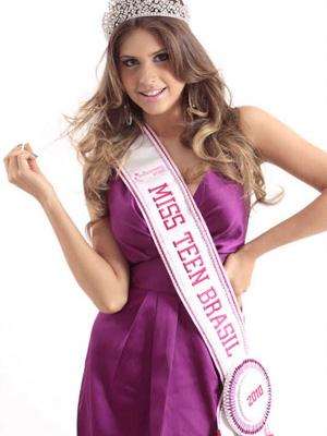 Gabriele Marinho, estudante e modelo maceiosense de 17 anos, é a atual Miss Teen Brasil, diz estar satisfeita com seu corpo e não pretende fazer plástica tão cedo (Foto: Divulgação / Arquivo Pessoal)