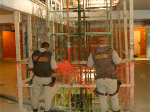 Elevador fica interditado após acidente que matou nove operários (Foto: Tatiana Dourado/ G1BA)