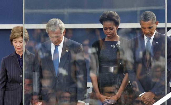 O Presidente Barack Obama E O Ex Presidente George W Bush