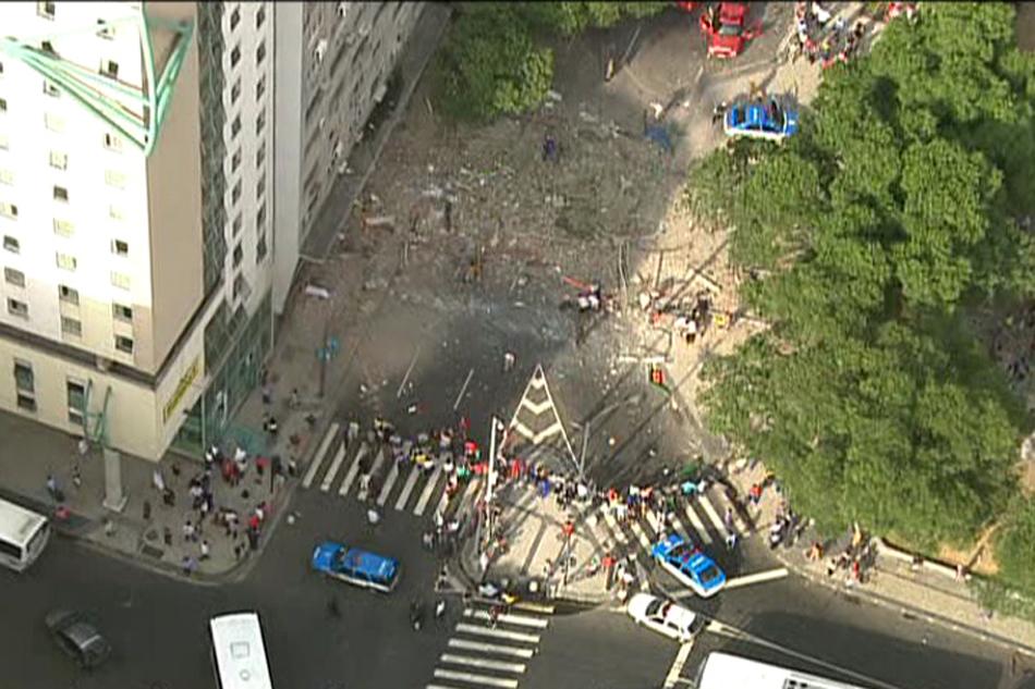De acordo com o Centro de Operações Rio, o trânsito está interditado na Rua Visconde do Rio Branco, na altura da Praça Tiradentes