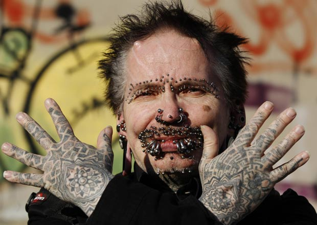 Rolf Bucholz tem 453 piercings no corpo. (Foto: Ina Fassbender/Reuters)