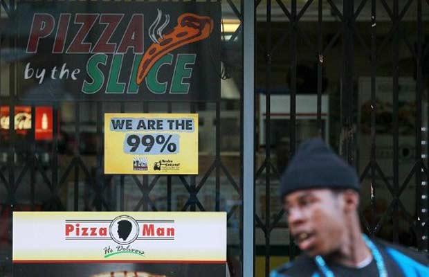 Pizzaria fechada em solidariedade aos manifestantes nesta quarta-feira (2) em Oakland, no estado americano da Califórnia (Foto: AFP)