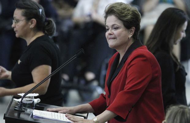 A presidente Dilma discursa durante cerimônia de lançamento do plano Viver sem Limites (Foto: Ueslei Marcelino / Reuters)