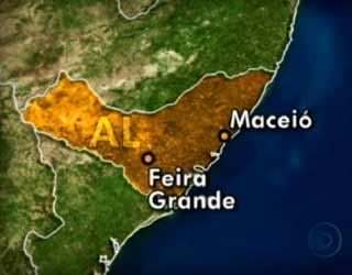 Acidente aconteceu no município de Feira Grande na tarde desta quinta (8) (Foto: Reprodução/TV Globo)