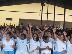 Presidiárias asssitem a show de lançamento de CD de Danila Alves (Foto: Mariana Zoccoli/G1)