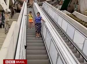 Favela de Medellín ganha escada rolante de 384 metros (Foto: BBC)