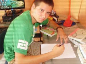 Com apenas 17 anos, Samuel conseguiu ser aprovado na primeira tentativa  (Foto: Samuel Wolf/ Arquivo Pessoal)