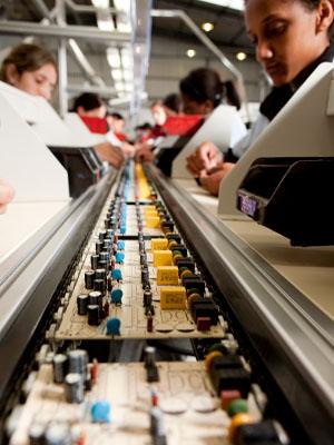 Empresas do município apostam na mão de obra que se forma na cidade (Foto: Divulgação Sindvel)