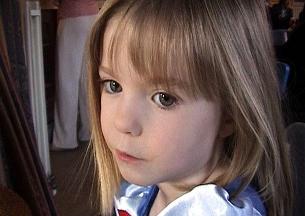 """A polícia britânica afirmou nesta quarta-feira que existe uma """"possibilidade"""" de que Madeleine McCann, a menina desaparecida em 2007 durante as férias em Portugal, esteja viva e pediu às autoridades deste país a reabertura do caso.   """"Acreditamos sinceram (Foto: AP)"""