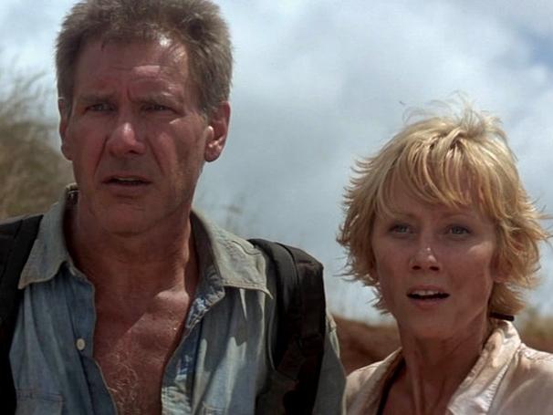 Harrison Ford e Anne Heche como um piloto e uma executiva, respectivamente