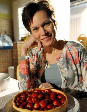 Hermylla Guedes interpreta a doceira Marlene (Foto: Alex Carvalho/ TV Globo)
