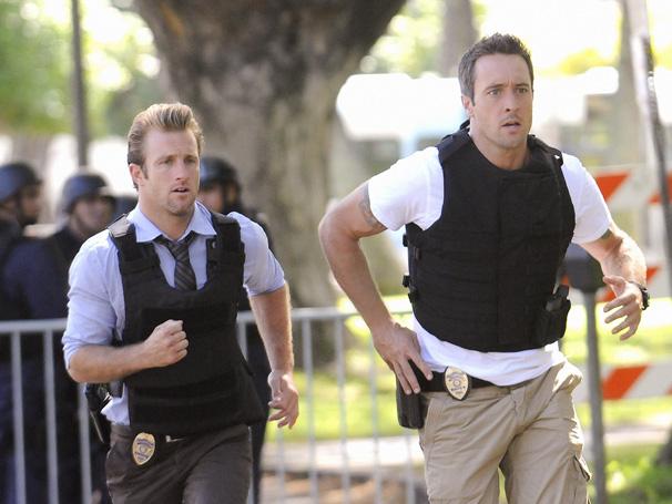 Steve é obrigado a negociar com o assassino de seu pai para libertar o amigo (Foto: Divulgação)