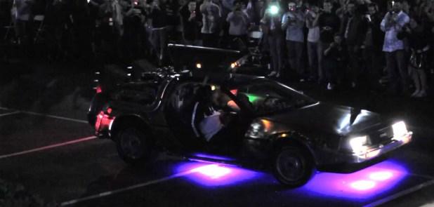"""Tem gente que já até juntou as peças para viajar no carro de """"De volta para o futuro"""" (Foto: Autoblog)"""