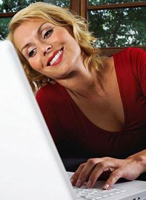 Mulheres preferem web. (Foto: Daily Mail)