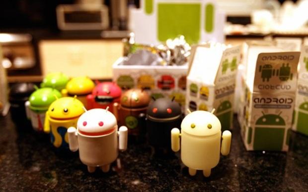 """Android Ice Cream Sandwich é considerado o """"Honeycomb"""" dos smartphones, tamanha revolução que a nova versão promete (Foto: Divulgação/Google Android Robots (Mini Collectibles Robot Toys))"""