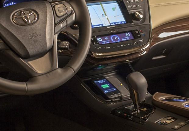 Interior do modelo 2013 do Toyota Avalon Limited (Foto: Divulgação)
