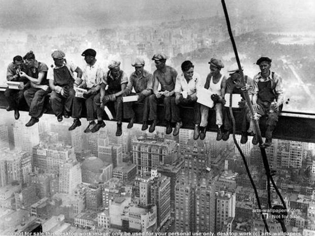 """""""Almoço no Topo do Arranha-Céu"""", fotografia ícone do século XX (Foto: Reprodução/Cobris) (Foto: """"Almoço no Topo do Arranha-Céu"""", fotografia ícone do século XX (Foto: Reprodução/Cobris))"""