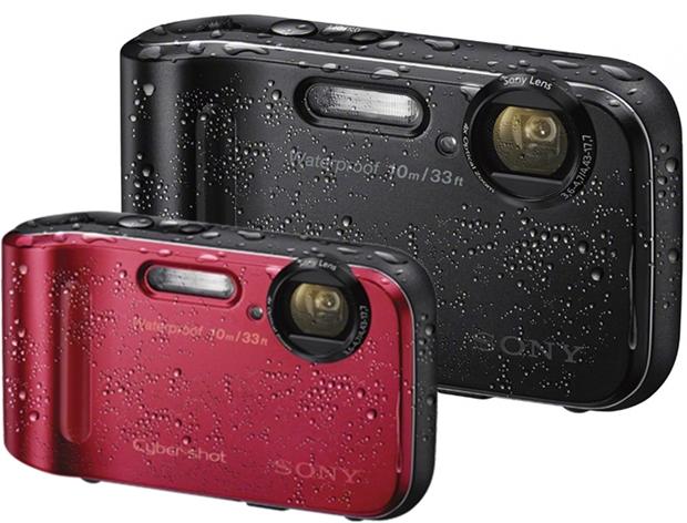 Câmeras Sony DSC-TF1 chegam nas cores vermelha, preta e azul (Foto: Divulgação)