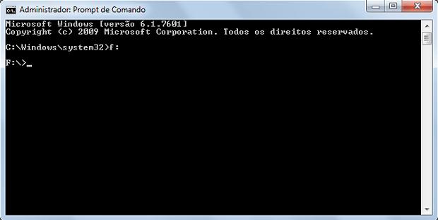 Tela do prompt de comando do Windows após o comando ser inserido para acessar a pasta raiz (Foto: Reprodução/Rodrigo Gurgel)