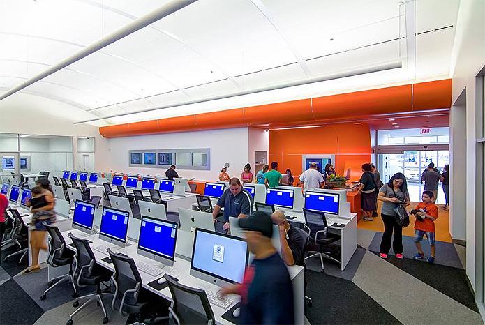 A população de San Antonio tem a disposição um espaço turbinado com tecnologia de última geração (Foto: Reprodução/Bexar BiblioTech)