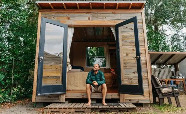 Florida Environmentalist Builds His Own Tiny House For