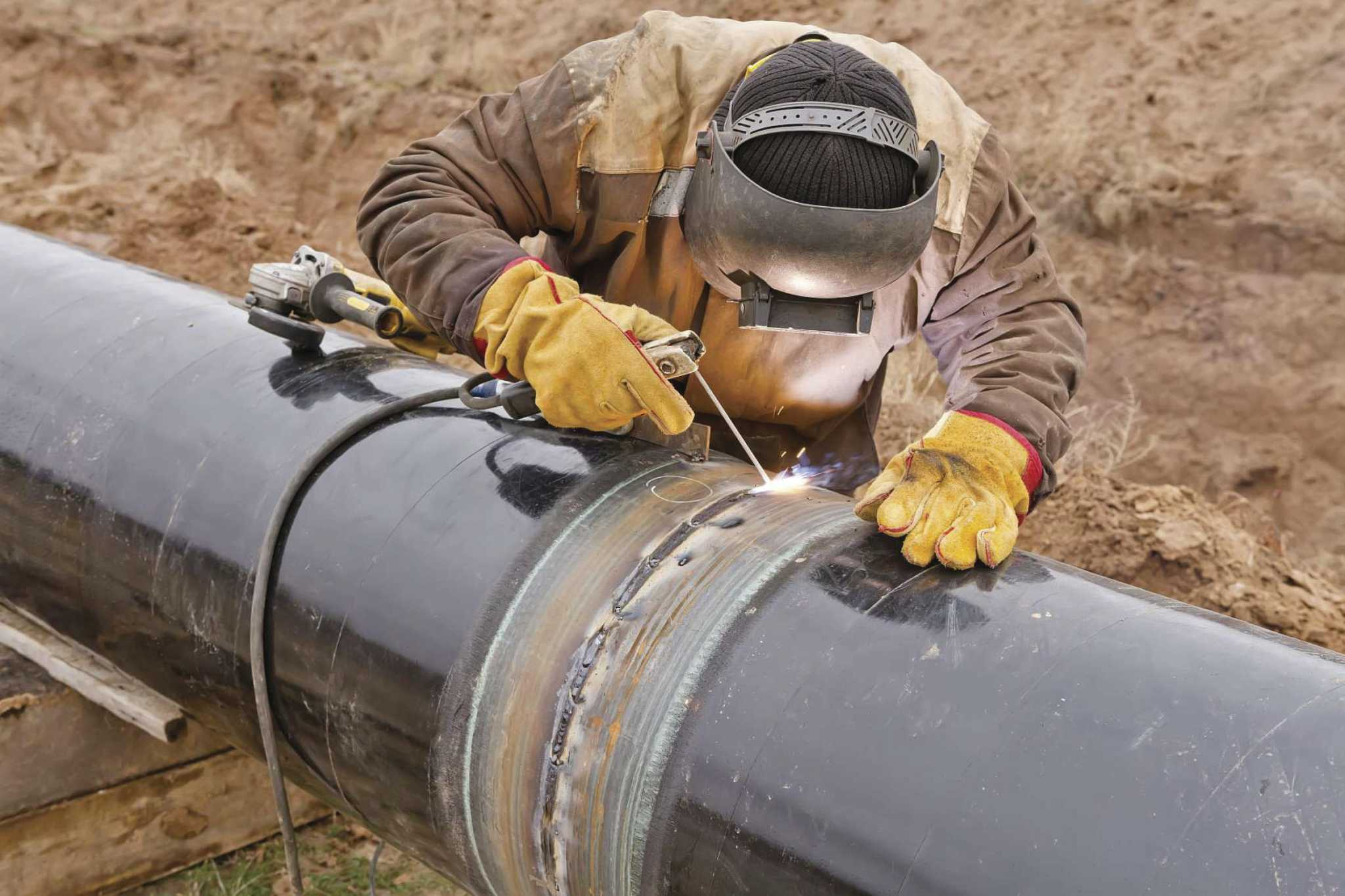 Job Outlook For Welders Demand For Welders Pipe Fitters Projected To Grow Houston Chronicle