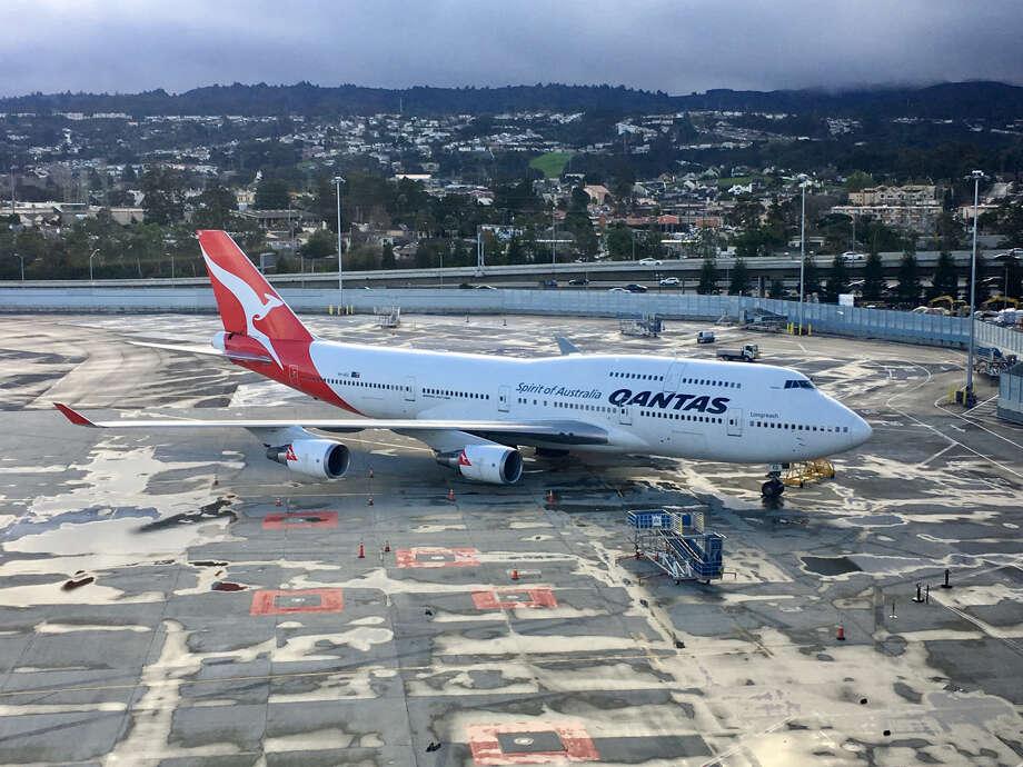qantas to retire boeing