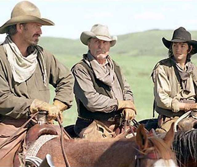 Open Range A Decisive Battle Looms For Freegrazers Charley Kevin Costner Left