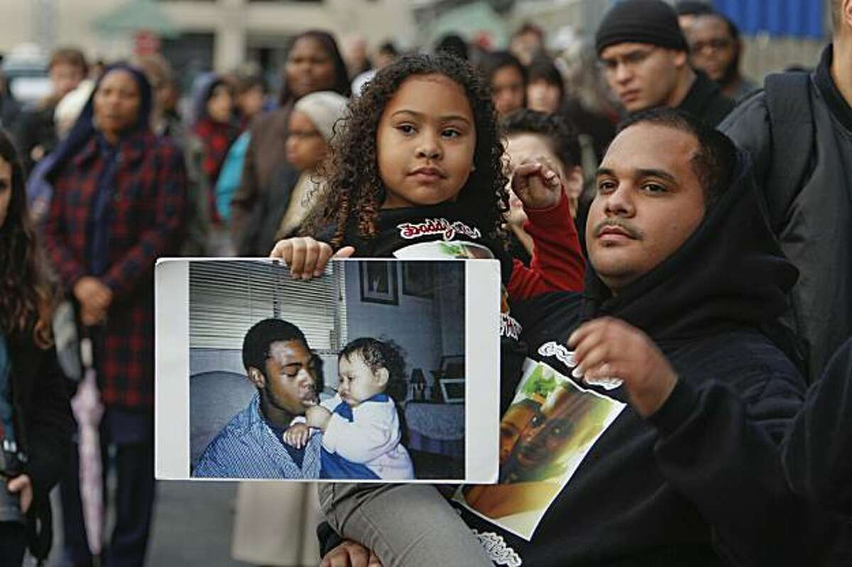 Family of Oscar Grant demand felony murder charges for second BART officer