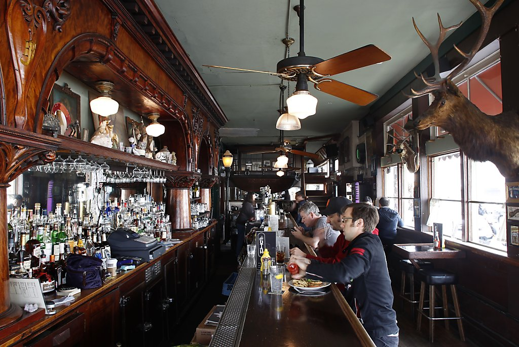San Francisco legacy bars a toast  SFChroniclecom