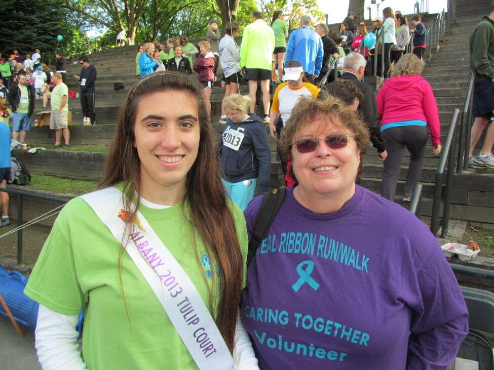 SEEN: Teal Ribbon Run/Walk for ovarian cancer