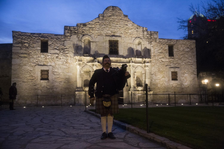 Ceremony Observes Alamo Anniversary  San Antonio Expressnews