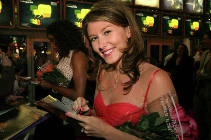 Jewel Staite 