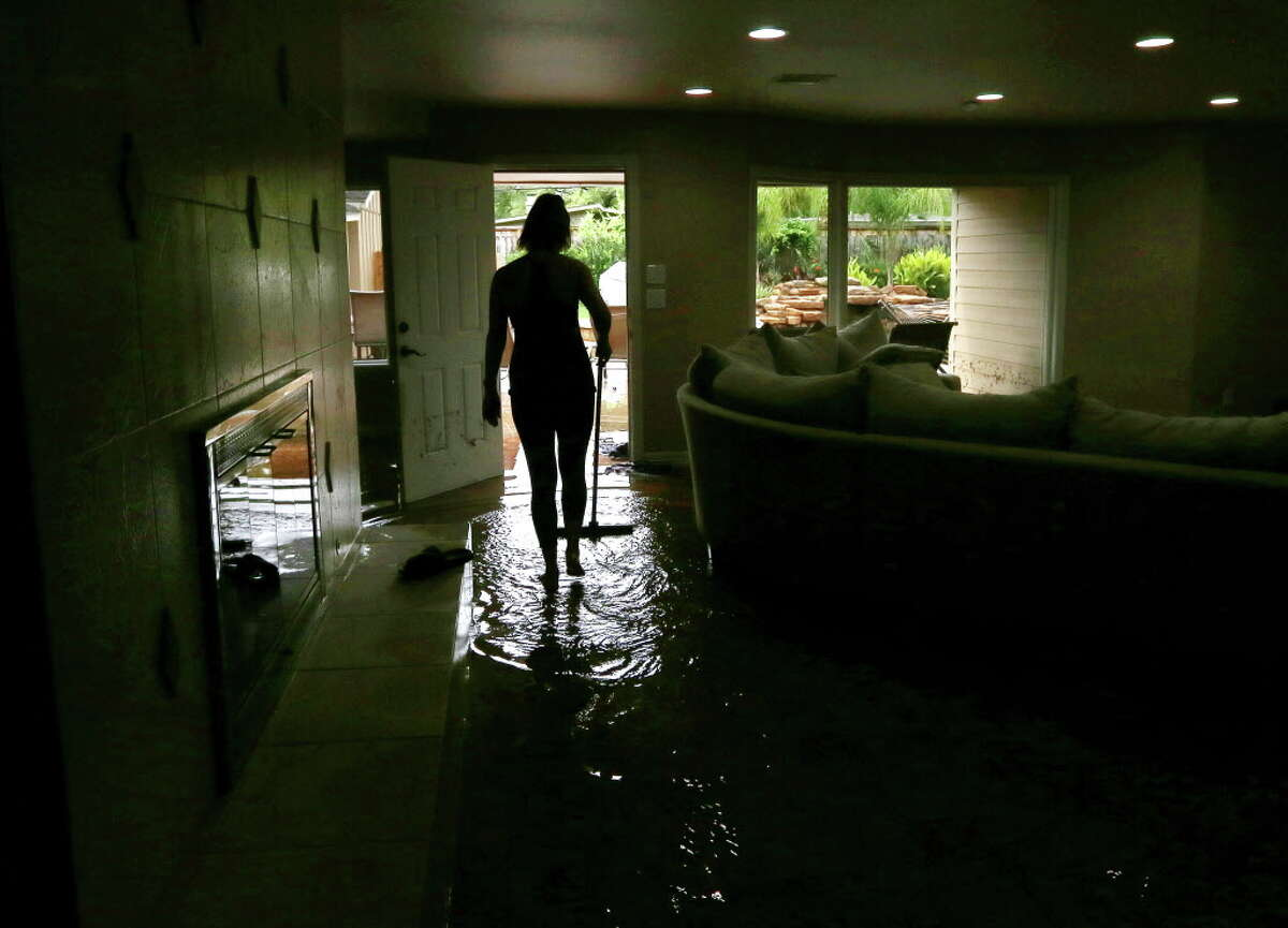 At least 5 dead in Houston-area floods