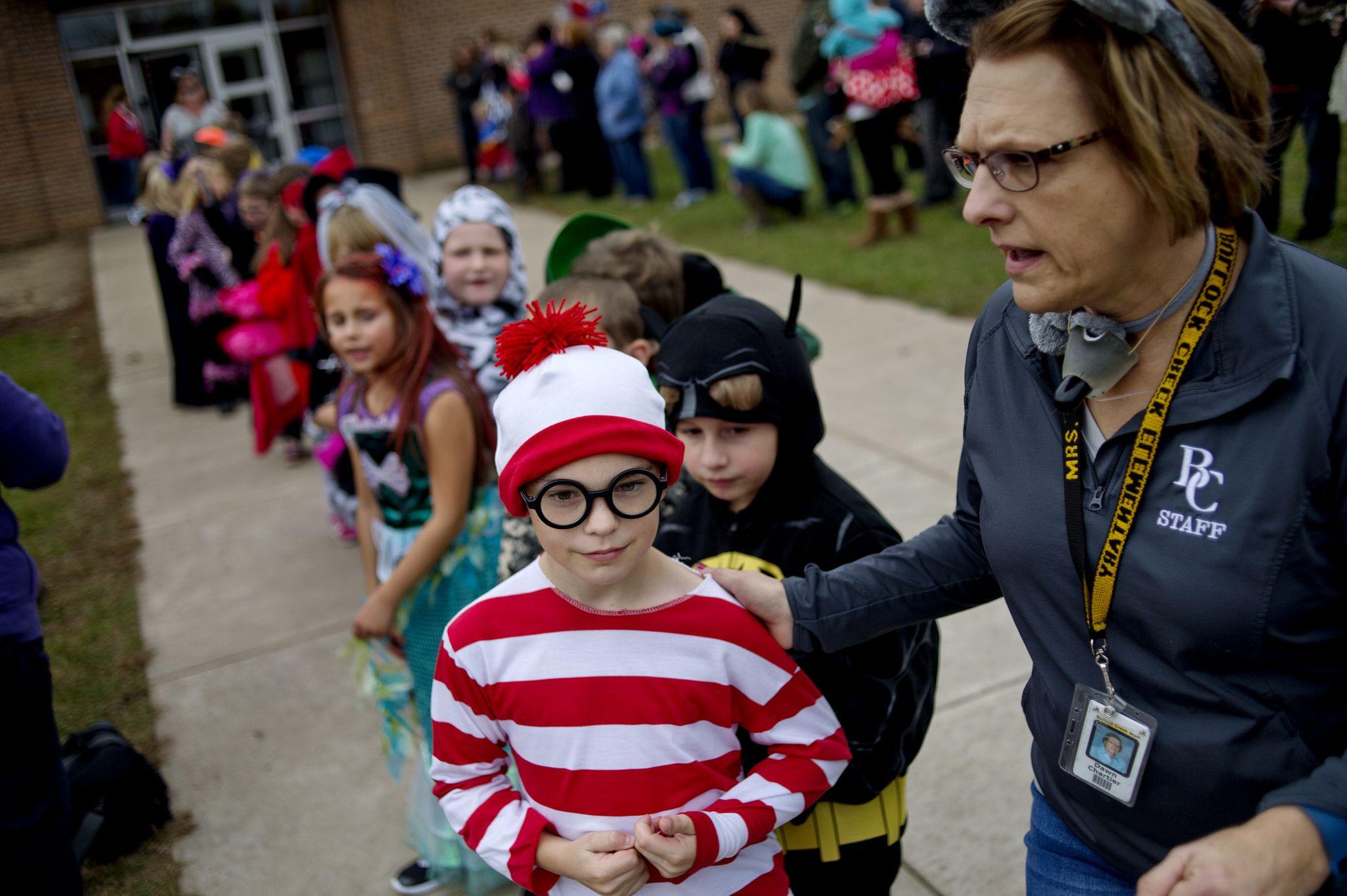 Bullock Creek Elementary S Halloween Costume Parade