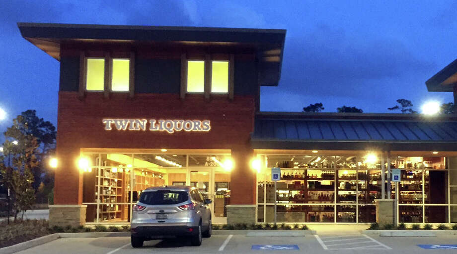 twin liquors to open