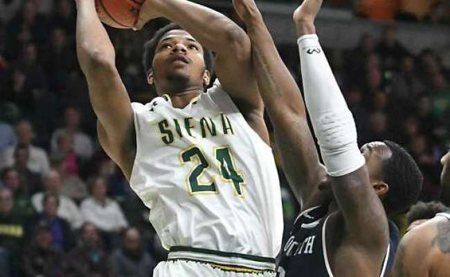 Siena Basketball S Long Succeeds Without Recognition