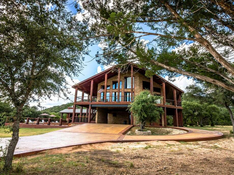 10 cabins near Garner State Park and the Frio River