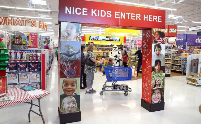 Toys R Us Reportedly May Close At Least 100 Stores