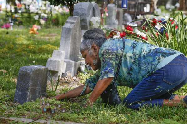 Hidden Cemetery In Sugar Land Tells Story Of Latino
