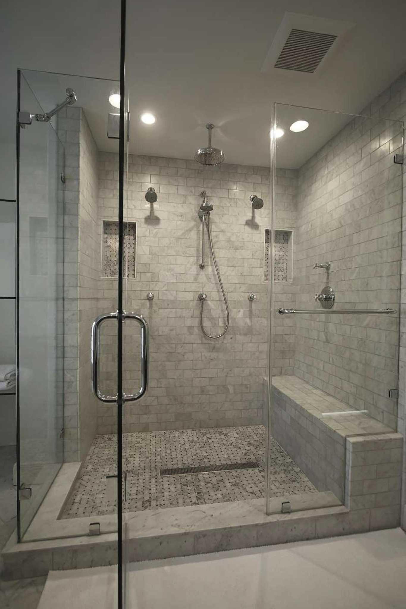 Sleek Modern Shower Doors Provide Streamlined Look