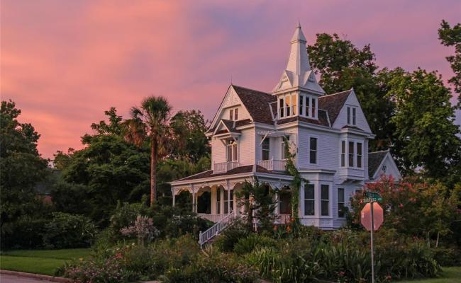 Historic Heights Victorian Seeks New Owner