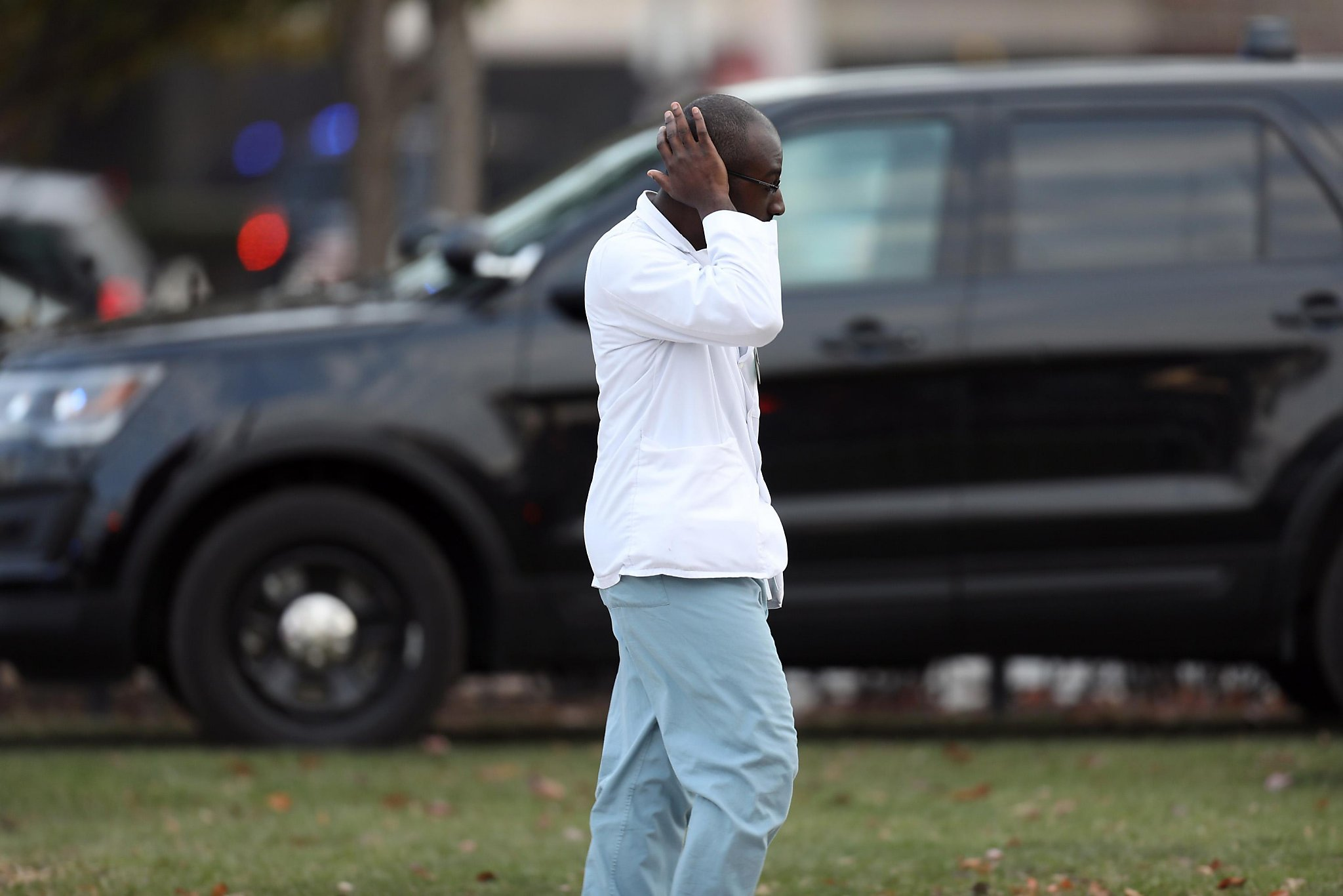 Gunman Opens Fire At Chicago Hospital Wounds At Least 4