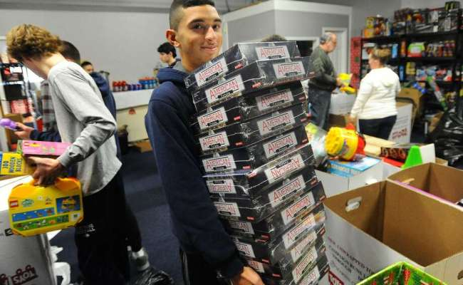 Bridgeport Community Helps Replenish Toys For Tots