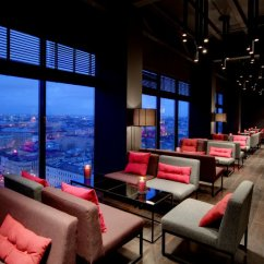 The Living Room With Sky Bar Color Schemes For Oak Trim Bars Clubs St Petersburg