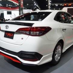 Toyota Yaris Ativ Trd All New Kijang Innova Modifikasi 2018 ใหม พร อมช ดแต ง ราคา 16 000 บาทท ช งรอบค น สำหร บ ถ กออกแบบให เพ มความด ด นกว าเด มอย างเห นได ประกอบด วย สเก ร ตหน าตกแต งด วยส แดง