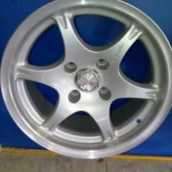 Jual Velg All New Camry Kijang Innova 2.4 G M/t Diesel Lux Berbagai Macam Velg/pelek Mobil Original ...
