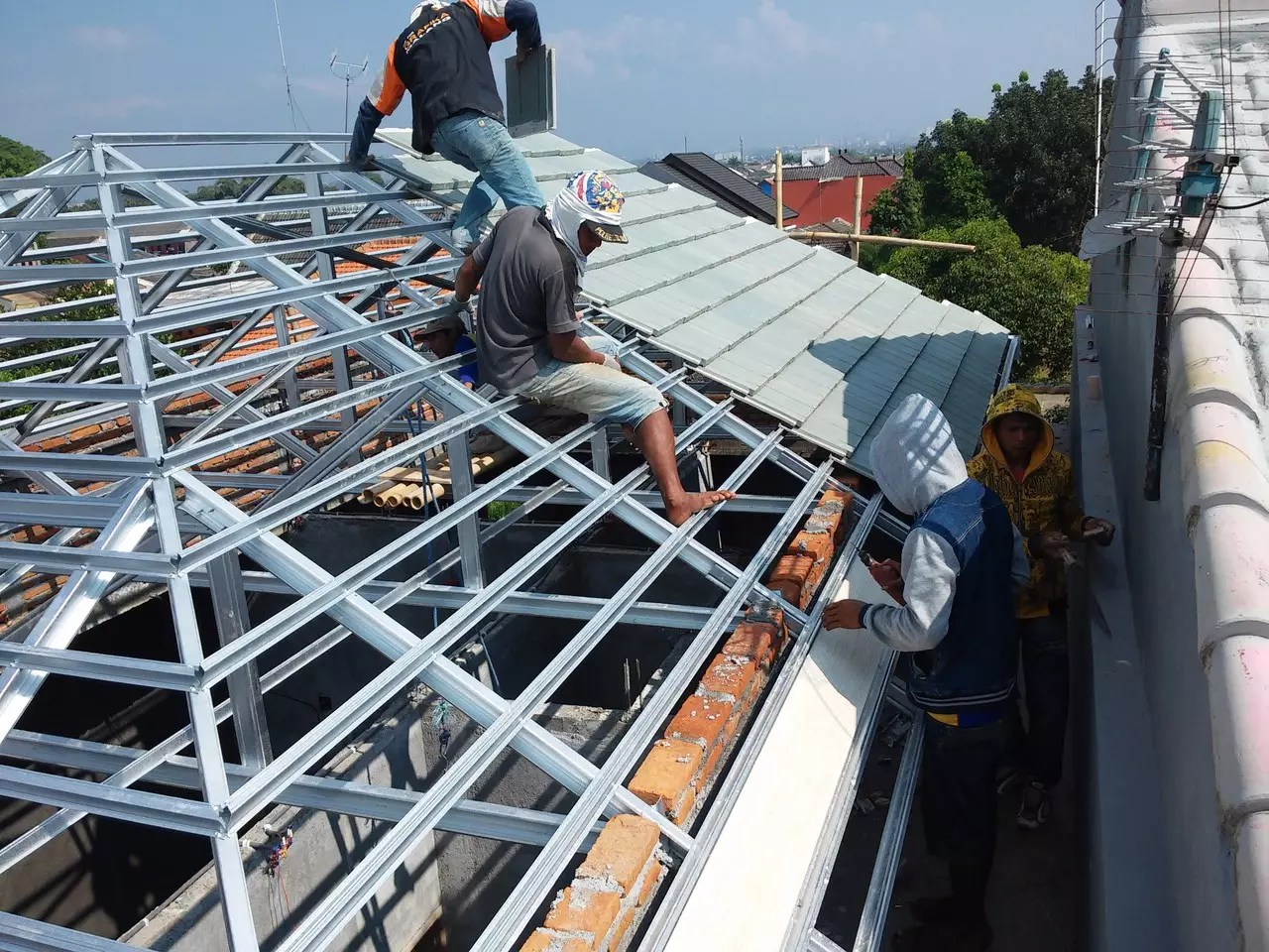 overstek baja ringan all about rangka atap silakan bertanya tanya di