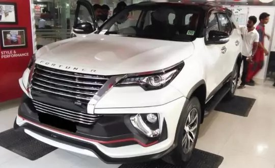 Toyota Siap Luncurkan Mobil SUV Toyota Fortuner Nippon Edition