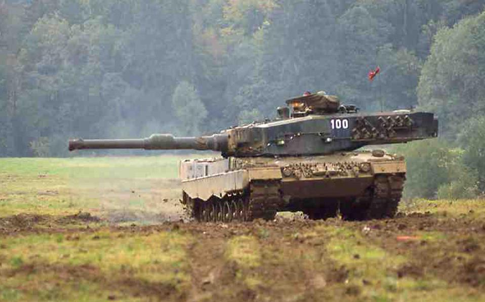 To «Γραφείο Συμβούλων για τη ΝΑ Ευρώπη» υπέγραψε συμβάσεις με την KMW την περίοδο 1997-1998, που οδήγησαν το διάστημα 2000-2005 σε πληρωμές 5 εκατ. ευρώ για τις συμβάσεις των τανκς Leopard-2 και τα συστήματα Pzh -2000, αξίας 2 δισ. ευρώ.